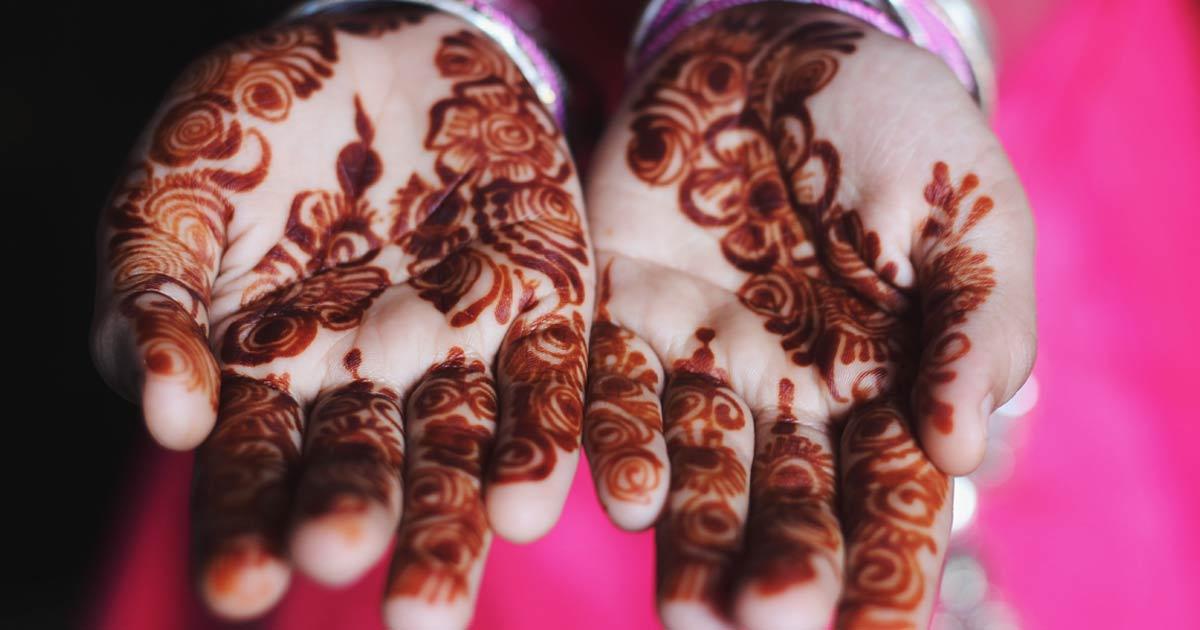 Mani con tatuaggio henné
